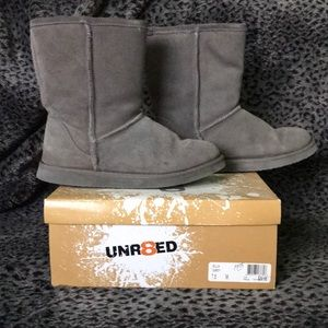Unr8ted Gray Boots